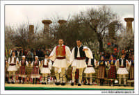 Agrigento. Festa del Mandorlo in fiore. Edizione 2006. Gruppi folkloristici si esibiscono durante la premiazione.   - Agrigento (1511 clic)