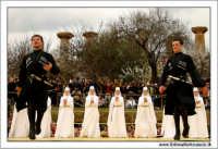 Agrigento. Festa del Mandorlo in fiore. Edizione 2006. Gruppi folkloristici si esibiscono durante la premiazione.   - Agrigento (1513 clic)