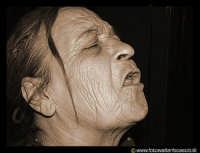 Anziana donna. La signora, si lamentava perchè dei loschi individui, le avevano rubato la pensione.
