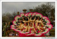 Agrigento. Festa del Mandorlo in fiore. Edizione 2006. Gruppi folkloristici si esibiscono durante la premiazione.   - Agrigento (1933 clic)