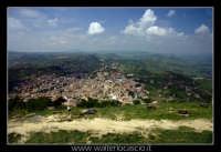 Agira. Panorama del paese di Agira, visto dal Belvedere del Castello Medioevale di Agira.  - Agira (3008 clic)