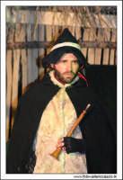 Agira. Natale 2005. Presepe Vivente organizzato dall'associazione Amici Del Presepe. Pastore del presepe. 2  - Agira (5770 clic)