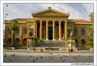 Palermo. Piazza Giuseppe verdi. Teatro Massimo #4 Frontale. PALERMO Walter Lo Cascio
