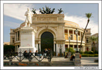 Palermo. Piazza Castelnuovo. Teatro Politeama Garibaldi #2. PALERMO Walter Lo Cascio