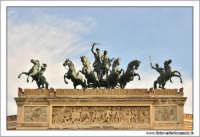 Palermo.  Teatro Politeama Garibaldi Particolare dei cavalli. PALERMO Walter Lo Cascio