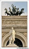 Palermo.  Teatro Politeama Garibaldi Particolare dei cavalli #2 PALERMO Walter Lo Cascio
