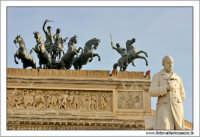 Palermo.  Teatro Politeama Garibaldi Particolare dei cavalli #3 PALERMO Walter Lo Cascio