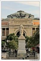 Palermo.  Piazza Castelnuovo.  PALERMO Walter Lo Cascio