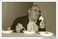 Agira: 16 Ottobre 2005. Ente Fiera. Prima Sagra del Coniglio selvatico. Degustazione di maccheroni e coniglio selvatico. #13  - Agira (1914 clic)