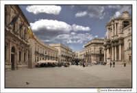 Siracusa - Ortigia: Piazza Duomo. Visione d'insieme. #2  - Siracusa (2749 clic)