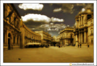 Siracusa - Ortigia: Piazza Duomo. Visione d'insieme. #4  - Siracusa (2571 clic)