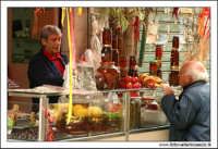 Palermo.  Antico mercato storico della VUCCIRIA. Prodotti sottolio: Olive, funghi, pomodori secchi... #3  - Palermo (3967 clic)