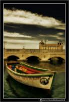 Siracusa - Ortigia - Lungomare: Barca ormeggiata. #1  - Siracusa (2245 clic)