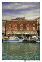 Siracusa - Ortigia - Lungomare: Un palazzo nobiliare.  - Siracusa (2346 clic)