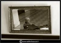 Agira. Societa' per anziani. Lo specchio.  - Agira (1395 clic)