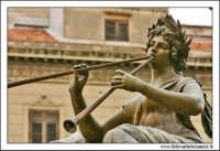 Palermo.  Tetro Massimo. Il leone bronzero di Sinistra. #2 PALERMO Walter Lo Cascio