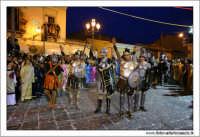 Agira. Carnevale di Agira. Carnevale Agirino. Edizione 2006. La sfilata in Piazza Garibaldi. I gladiatori.  - Agira (3689 clic)