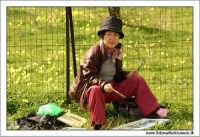 Agrigento. Donna Giapponese dipinge il tempio della concordia.  - Agrigento (2994 clic)
