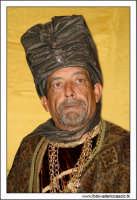 Agira. Natale 2005. Il presepe vivente ad Agira, organizzato dall'Associaizone AMICI DEL PRESEPE. Il Re Magio 2.  - Agira (1559 clic)