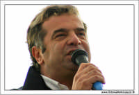 Agrigento. Festa del Mandorlo in fiore. Il presentatore televisivo Charly Gnocchi, inviato della trasmissione Quelli che il calcio  - Agrigento (2289 clic)