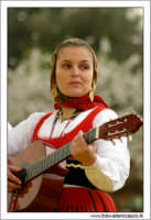 Agrigento. Festa del Mandorlo in fiore. Edizione 2006. Gruppi folkloristici si esibiscono durante la premiazione.  - Agrigento (1810 clic)