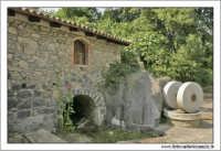 Francavilla di Sicilia. Le macine e la casetta di campagna.  - Francavilla di sicilia (9977 clic)
