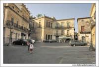 Castiglione di Sicilia. La piazza.  - Castiglione di sicilia (7785 clic)