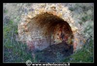 Caltanissetta: Miniera Trabonella. Reportage sulle miniere di zolfo di Caltanissetta. Stabilimenti abbandonati. I Forni  - Caltanissetta (3743 clic)