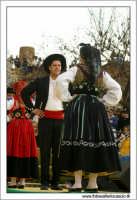 Agrigento. Festa del Mandorlo in fiore. Edizione 2006. Gruppi folkloristici si esibiscono durante la premiazione.   - Agrigento (1758 clic)