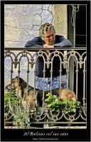 Castiglione di Sicilia. La donna, il cane, e i bigodini.  - Castiglione di sicilia (4071 clic)