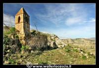 Caltanissetta: Miniera Trabonella. Reportage sulle miniere di zolfo di Caltanissetta. CHiesa abbandonata dedicata a Santa Barbara, protettrice degli zolfatai.  - Caltanissetta (4716 clic)