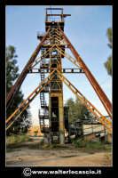 Caltanissetta: Reportage fotografico sulle miniere di Caltanissetta. Miniera Iuncio Tumminelli. Grande castelletto di acciaio per l'estrazione. Alto 30 metri e largo quasi 40 metri.  - Caltanissetta (1574 clic)