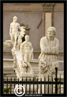 Palermo. La fontana Pretoria in Piazza Pretoria o Piazza della Vergogna. Particolare delle statue. P