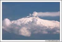 Agira. Etna innevata scattata con teleobiettivo a focale 300 mm.  - Agira (2405 clic)