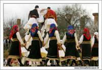 Agrigento. Festa del Mandorlo in fiore. Edizione 2006. Gruppi folkloristici si esibiscono durante la premiazione.   - Agrigento (1377 clic)