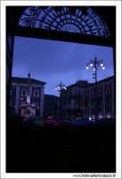 Catania. Festa di Sant'Agata, 2006. Piazza Duomo da dentro il cortile del Municipio.  - Catania (1923 clic)