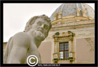 Palermo. Piazza Pretoria o Piazza della Vergogna.  Particolare di una statua.  - Palermo (9980 clic)