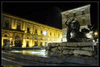 Caltanissetta. Piazza Garibaldi dopo i lavori di rifacimento della pavimentazione.Fontana del Tritone. Photo Walter Lo Cascio www.walterlocascio.it  - Caltanissetta (4354 clic)