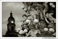 Catania. Festa di Sant'Agata, 2006. La Candelora in processione. 3  - Catania (1871 clic)