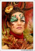 Agira. Carnevale di Agira. Edizione 2006 Carnevale Agirino. Ragazza in maschera.!  - Agira (1326 clic)