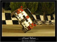 Caltanissetta, Giugno 2005. Spettacolo del Team BIZZARRO al Pian Del Lago. L'autista della BMW, su due ruote, corre a folle velocità eseguendo manovre spettacolari senza cadere.  - Caltanissetta (3966 clic)