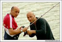 Regalbuto, Settembre 2005. Lago Pozzillo. Pescatori....  - Regalbuto (2955 clic)