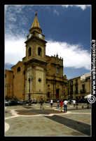 Regalbuto: Chiesa di San Basilio in Piazza Della Repubblica.   - Regalbuto (2581 clic)