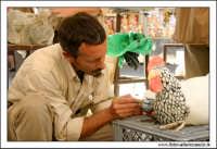 Caltanissetta. Artista, prepara il calco pe rla produzione dei Pupi di zucchero. 4  - Caltanissetta (1730 clic)
