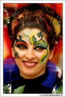 Agira. Carnevale di Agira. Edizione 2006 Carnevale Agirino. Ragazza in maschera! Foto: Walter Lo Cascio  - Agira (2036 clic)