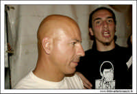 Caltanissetta, Giugno 2005. Giovanni Cacioppo, il cabarettista di Zelig, dopo uno spettacolo in Viale Regina Margherita a Caltanissetta.  - Caltanissetta (2872 clic)