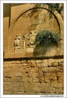 Caltanissetta. Valle dell'IMERA. Ponte di Capodarso. Effige sul ponte di capodarso.  - Caltanissetta (6256 clic)