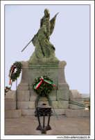 Caltanissetta, Giugno 2005. La statua ai caduti in guerra. Viale Regina Margherita. Foto #10. CALTAN