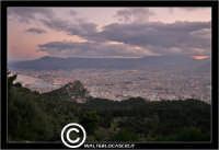 Palermo. Panorama al tramonto, di Palermo, vista dal Monte Pellegrino. PALERMO Walter Lo Cascio