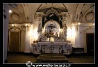Troina: Chiesa del Santissimo Sacramento: Interno: altare con statua della pietà.  - Troina (2806 clic)
